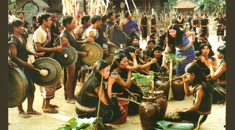 Свята банаконг-чынга - Holylandvietnamstudies.com