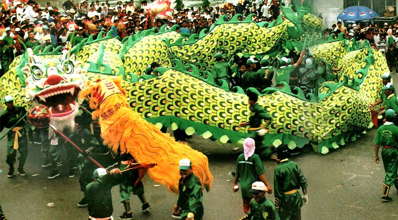 Hoa drago dance - Holylandvietnamstudies.com