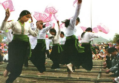 د و Vietnam in. 54 E E XNUMX E groups groups groups groupsو د TH THAI. .AI.. Community..
